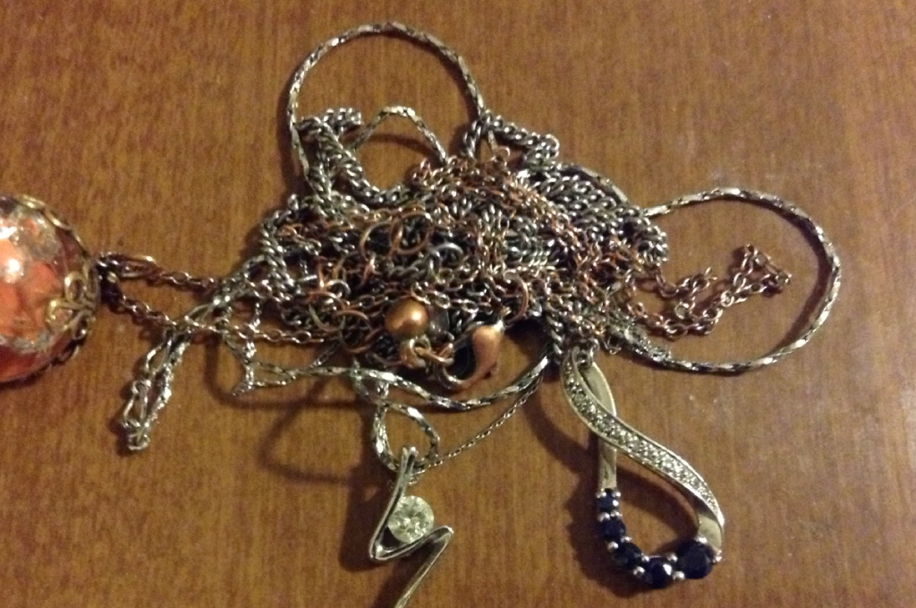 Untangle Necklace Chain